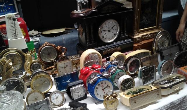 Clocks DM